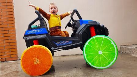越看越搞笑,小正太玩具汽车竟然用水果做车轮?萌宝益智汽车玩具车