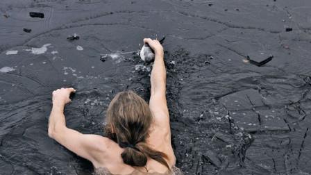 """世上""""最脏""""的湖泊,比印度恒河还黑,却有人排队去游泳?"""