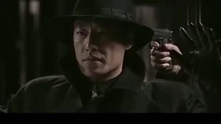 萧汉光被人拿枪指着,怎料搞到最后竟是自己人,一家人不识一家人