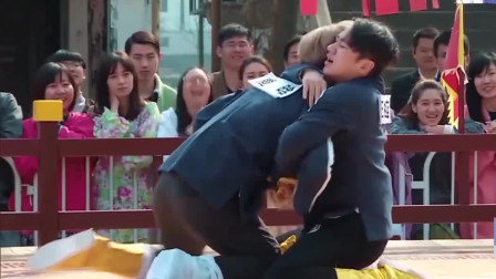 王祖蓝奋力脱下鹿晗的鞋,不料脱错了,瞬间上演一场苦情大戏!
