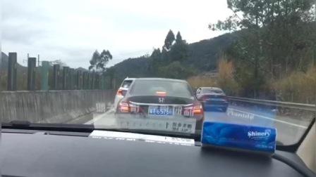 昨晚深圳发车回湖南,开了12个小时了现在还没出广东省,这车是真的多