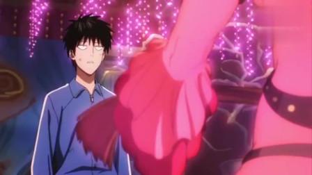 一拳超人:埼玉老师有点落魄啊,被房东扫地出门,无家可归