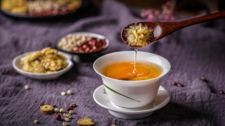 肝火旺,视力受损容易便秘,5种清肝明目茶,医生建议你这么喝