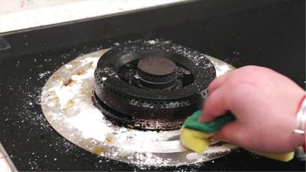 一把食盐撒在灶台上,用途真厉害,解决家里一大烦恼事,厉害了