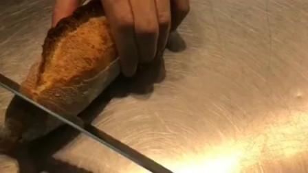 法棍和可颂就是面包师的灵魂,如果面包不是硬的,那将毫无意义!