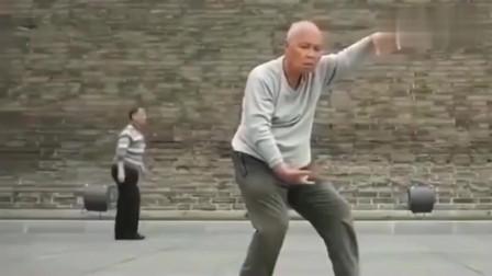这位西安老人打的太极拳已进入无我境界