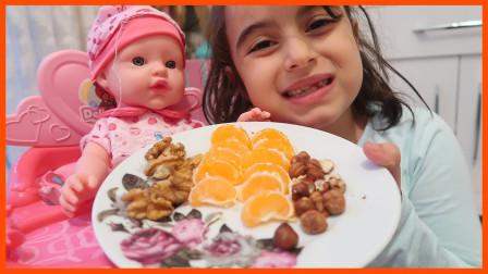 好期待!萌宝小萝莉准备什么食物给小宝宝吃?趣味玩具故事