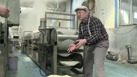 发明变发财!大叔发明全自动凉皮机,6块钱1份,1小时能做1200张