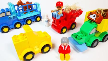 用彩色小积木拼搭农用卡车和拖拉机