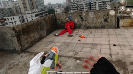 真人版吃鸡:扔烟雾救队友却扔错手雷,杀完敌人才发现队友被炸死