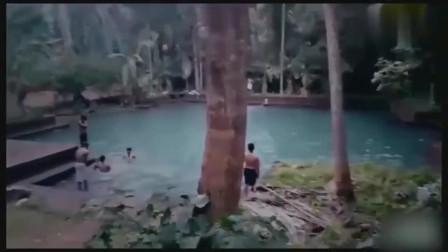 灵异事件:游泳池监控拍下水鬼,吓得工作人员立马辞职!