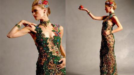 设计师用75万个宝珠打造旗袍,4年纯手工制作,太惊艳了吧!