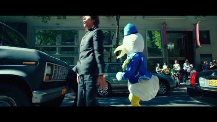 王宝强打壮汉,疼得人家当街跳起迈克杰克逊舞