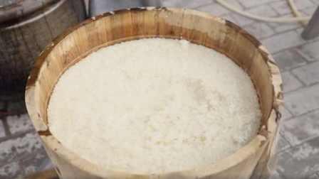 江西固村三甲酒 - 泉水和中草药酒饼酿制