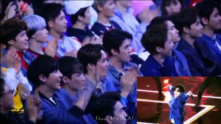 华晨宇《我管你》现场太嗨了,连EXO在台下都忍不住跟唱!