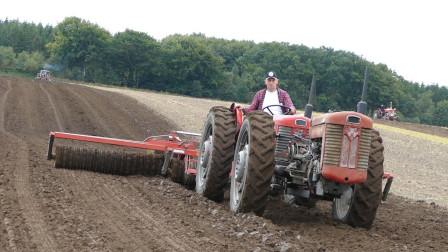 美国的拖拉机,一人一年能耕种2700亩,械化水平确实高
