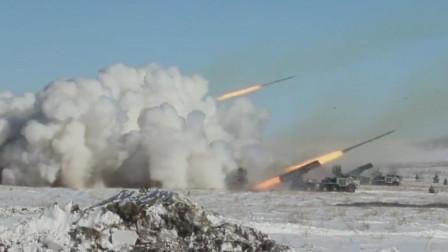 俄罗斯龙卷风300mm多管火箭炮冰天雪地中射击