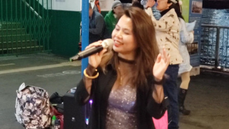 香港美女歌手张雯翻唱歌曲,人美歌甜红包没少收
