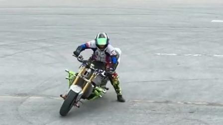 怎么也没想到,摩托车玩起漂移,竟然比汽车还牛!