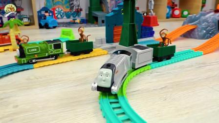 小火车比赛玩具真好玩,儿童玩具