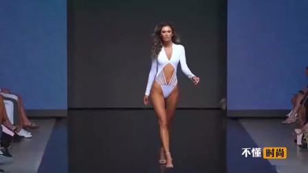 精彩绝伦泳装,时尚简约的设计,模特活力四射!