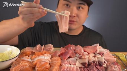 韩国大胃王胖哥,吃三文鱼和金枪鱼刺身,大口大口吃,不腻吗