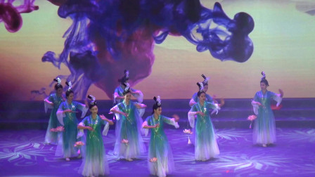 舞蹈《放灯行》 靖西新发展集团 靖西2020年军警民迎春联欢晚会(5)