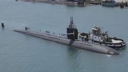 洛杉矶级攻击核潜艇在拖船推动下靠岸,最成功的攻击性核潜艇共建造了62艘