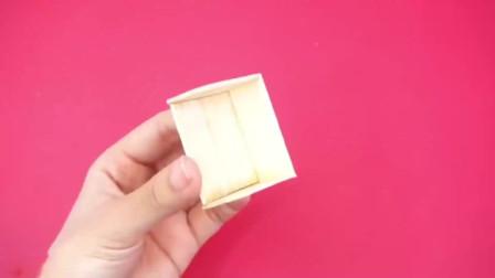玩具乐园:DIY,雪糕棍别乱丢,教你手工制作微型滑梯秋千和跷跷板,很好玩