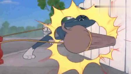猫和老鼠:汤姆拉的时候也不看看,拉住斯派克,该挨打了吧