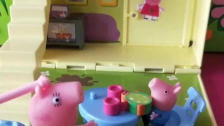 少儿益智亲子玩具:乔治不想要猪妈妈,想要白雪公主做他的妈妈