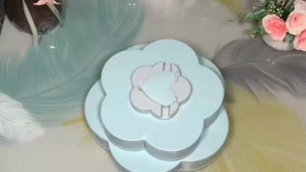 花瓣旋转糖果盒