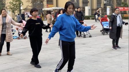 懒人散步舞,每天花15分钟跳一下,比跑步效果好,强力瘦身减肥