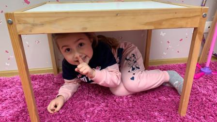 好好玩!姐姐最后会发现萌宝小萝莉躲在桌子下吗?趣味玩具故事
