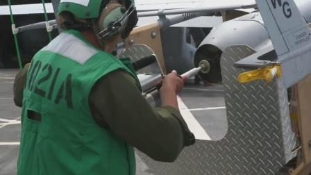 美国军舰弹射无人机起飞,无人机回收时钩住阻拦索回收