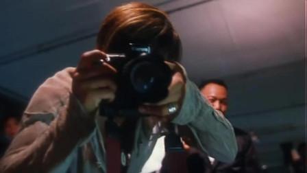 古惑仔:小混混抓了的女人,还逼她拍下照片,胆子真的大