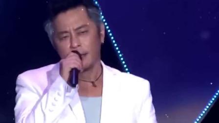 王杰《可能》安妮的粤语版,经典旋律让人陶醉,白色西服真帅气!