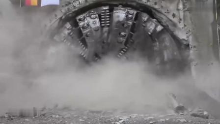 要说工程机械中最让人看着有气势的恐怕就是盾构机了