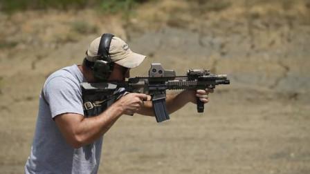 全自动突击步枪靶场实弹射击,就是噪音有点大!