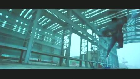 《机器侠》吴京使出太极的四两拨千斤,机器人都被打趴!