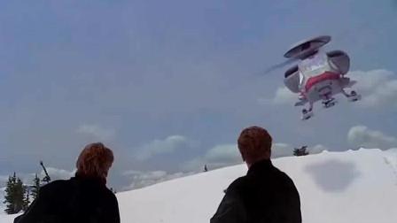 第六日:未来的世界中,一架普通的直升飞机,竟还能够变形!