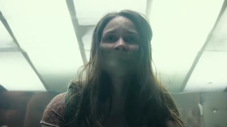一部让男人脸红的电影,七旬退役特种兵擒住女贼,逼迫她传宗接代