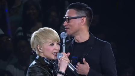 香港天后陈慧娴,和天王张学友一起合唱《轻抚你的脸》太动听了