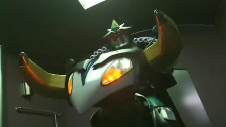 假面骑士:电车还能这么玩,感觉可以去打奥特曼怪兽了