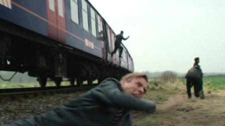 行驶的火车上,乘客却纷纷跳车,只为进入一个不存在的神秘小镇