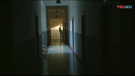 《士兵突击》连长隔着走廊问许三多可不可以住在他们宿舍!