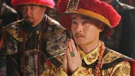 相士劝皇帝不要出宫,皇帝大怒:回来就杀了你,相士:你回不来了