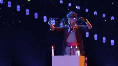 环球综艺秀:台湾达人表演魔幻泡泡秀,怎么我小时候玩泡泡玩不出这样的效果尼?