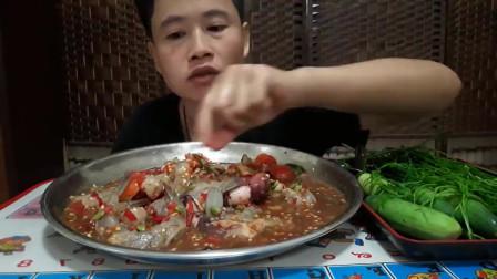 叔婶汤姆泰的吃播,番茄、咖喱、虾尾、臭菜、罗勒