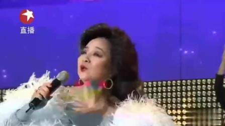 不愧是殿堂级歌手!63岁的徐小凤舞台再唱《风的季节》,风采依旧